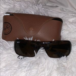 Sporty style Ray Bans